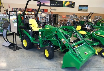 1025R Compact Tractor w/ Loader and Backhoe