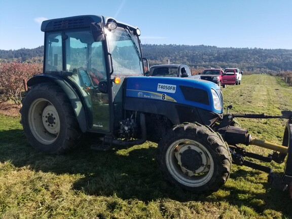 2013 New Holland T4050