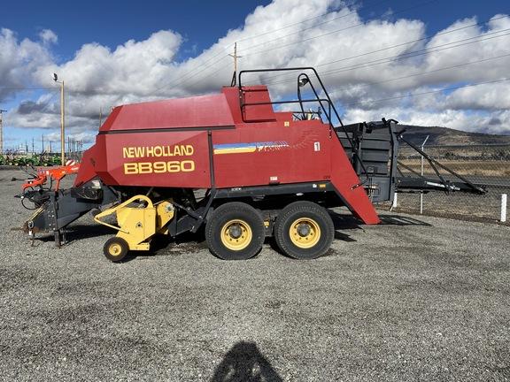 2001 New Holland BB960