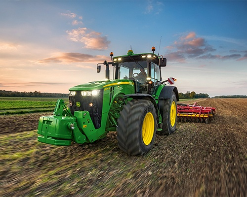 8R/8RT Series Tractors Equipment Image