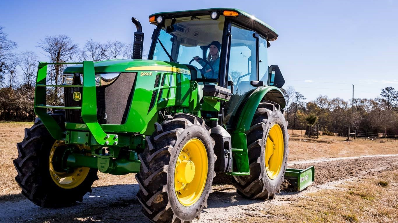Mid size tractor