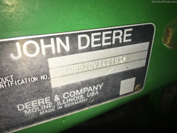 2002 John Deere 6520L