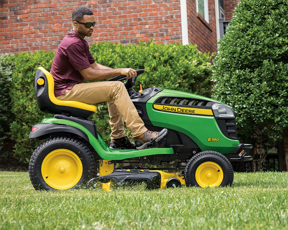 Riding Mowers / Lawn Tractors Equipment Image