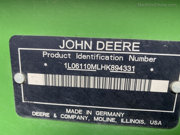 2018 John Deere 6110M