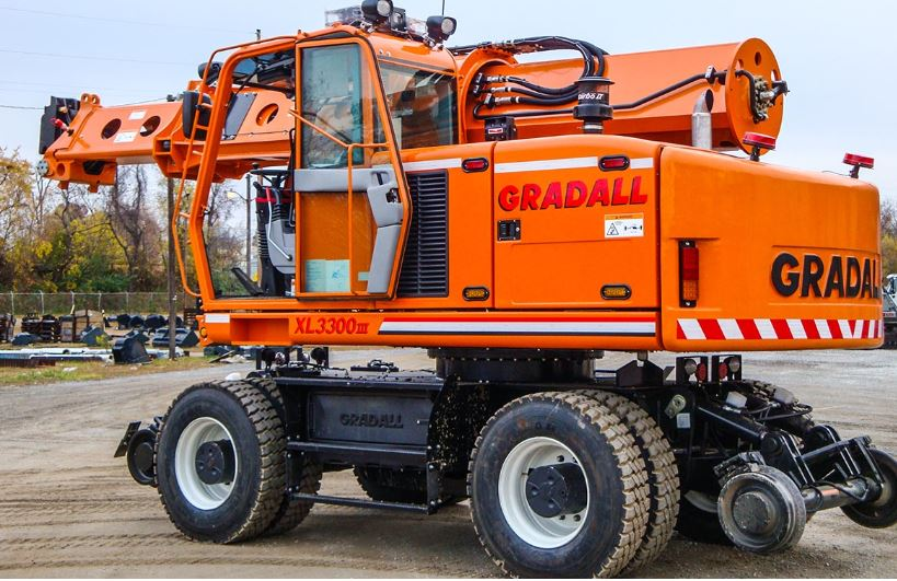 Gradall Rough Terrain Wheeled - XL 3300 V