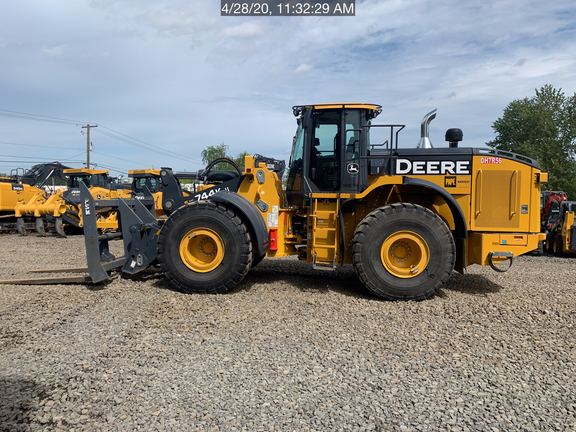 2019 John Deere 744KII