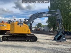 2019 John Deere 245G