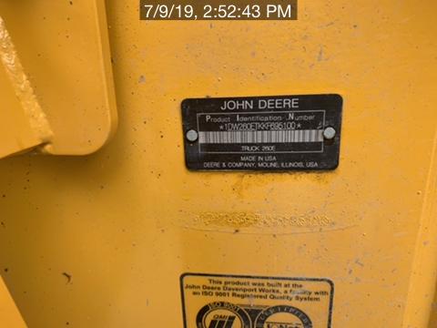 2019 John Deere 260E